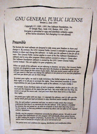 Poster with GPLv2 preamble, full size
